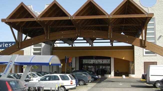 Emergenza Covid-19 Puglia, si presenta al centro commerciale con la febbre alta,  a rilevarla il termoscanner