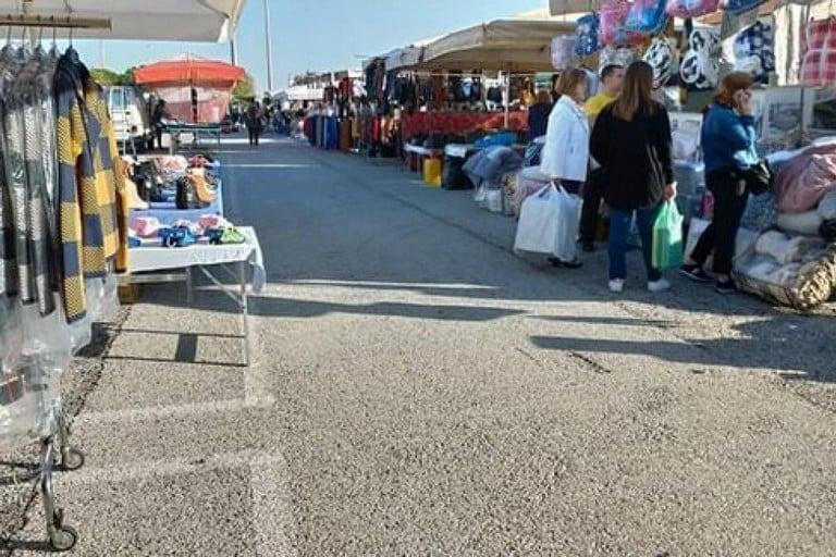 Coronavirus Bari, oggi ha riaperto il mercato scoperto di Japigia metà su via Pitagora metà su via Peucetia, la ribellione dei residenti