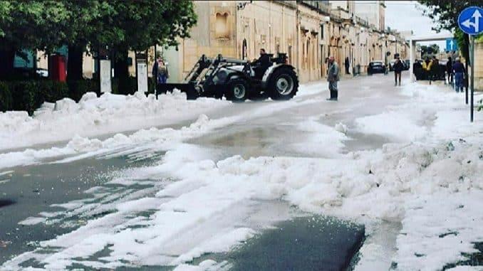 Maltempo in Puglia, tempesta di grandine e di pioggia si abbatte nel pomeriggio in una vasta zona -Foto