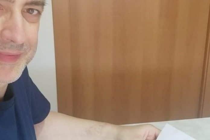 Coronavirus, fa un acquisto on line e insieme all'ordine trova una lettera speciale