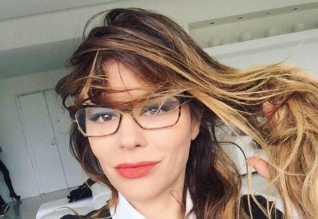 """Naike Rivelli a Barbara D'Urso """"smettila di parlare di me perché tu …"""""""