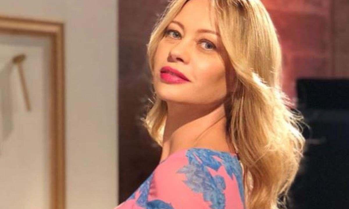 """Anna Falchi torna in tv come conduttrice, Beppe Convertini co-conduttore ammette: """"Mi piace da sempre…"""""""