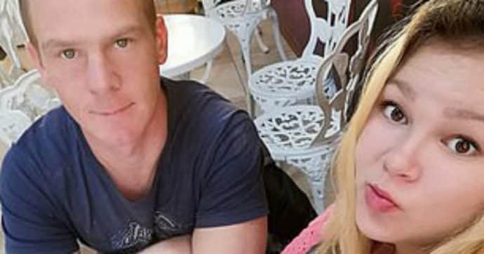 Coppia di genitori parte per le vacanze e lascia a casa da soli i gemellini di 16 mesi, al rientro li trovano morti