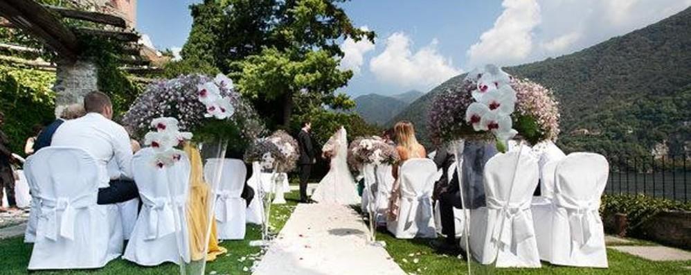 Coronavirus, al matrimonio della figlia contagia 76 invitati, il padre della sposa era positivo