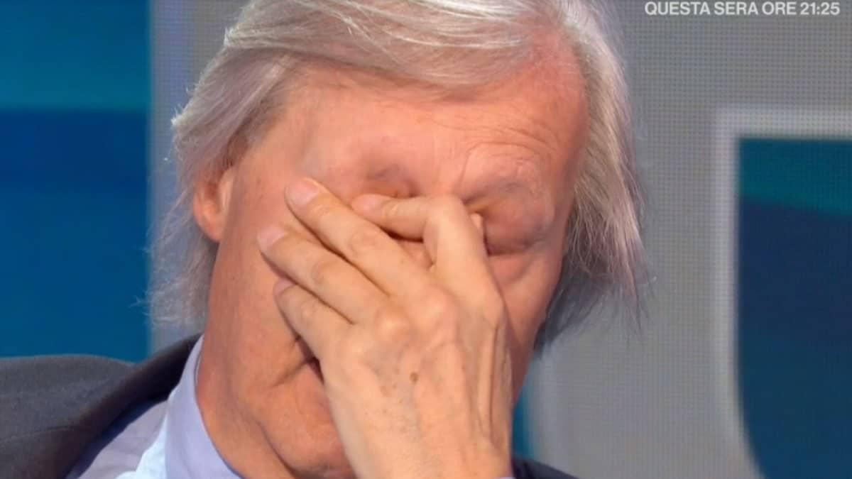 """Vittorio Sgarbi scoppia a piangere in diretta a """"Io e te"""", Pierluigi Diaco in forte imbarazzo"""