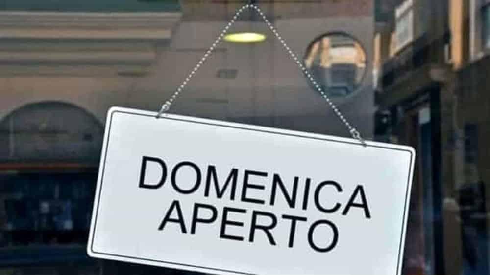 Puglia 2 giugno, i negozi e centri commerciali saranno aperti , i sindacati insorgono