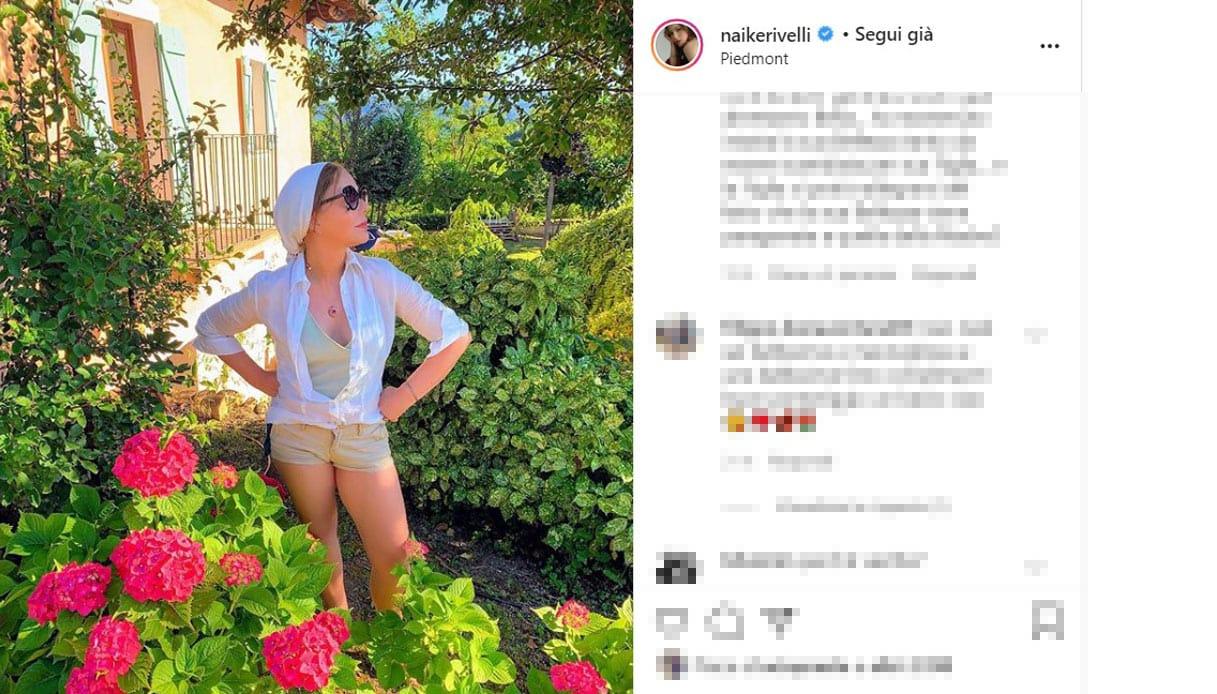 Ornella Muti posta una foto in shorts e il web impazzisce