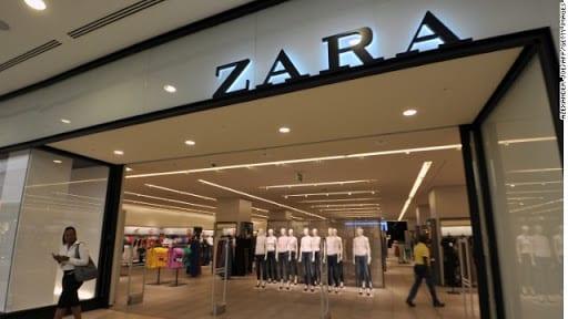 Zara, deve andare nel camerino ma non vuole rispettare le regole anti-covid, scoppia una maxirissa, calci e pugni, numerosi i feriti