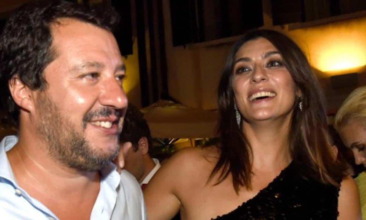 """Elisa Isoardi, parla ancora di Matteo Salvini: """"Credo sia naturale che una donna …"""