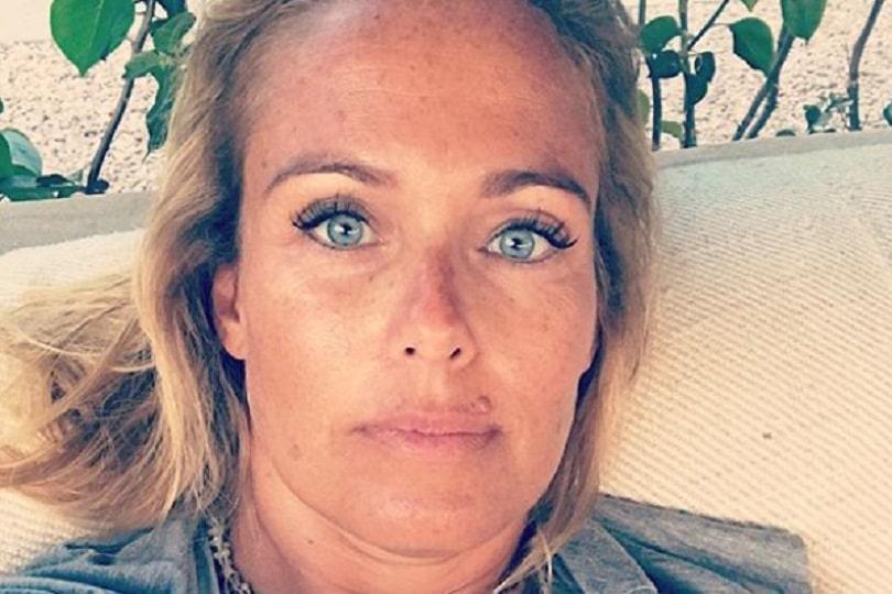 Sonia Bruganelli: «Sono stanca, ho preso il sole», il web le si rivolta contro e l'attacco è durissimo