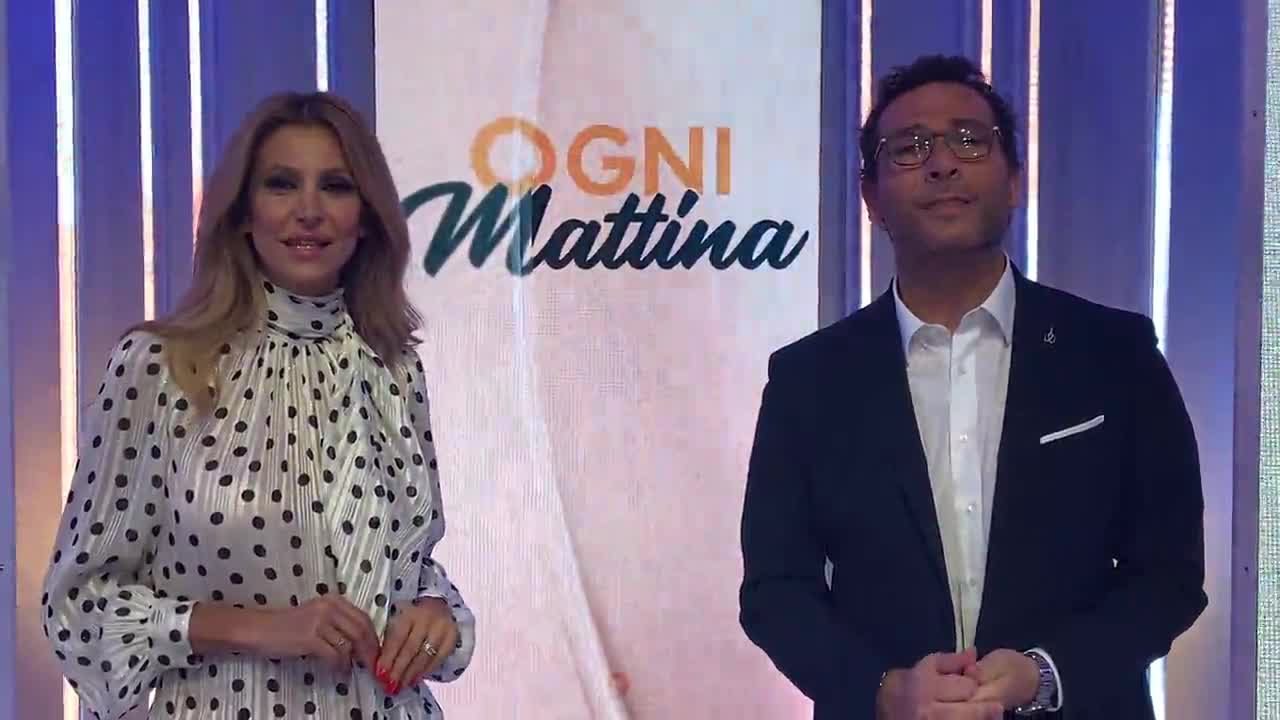 Adriana Volpe e Alessio Viola come Cuccarini-Matano, uno saluta l'altro non risponde, gelo in studio