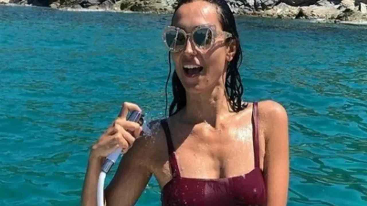 Caterina Balivo posta foto da sola, a chi le chiede dove sia il marito lei dà una risposta che nessuno si aspettava