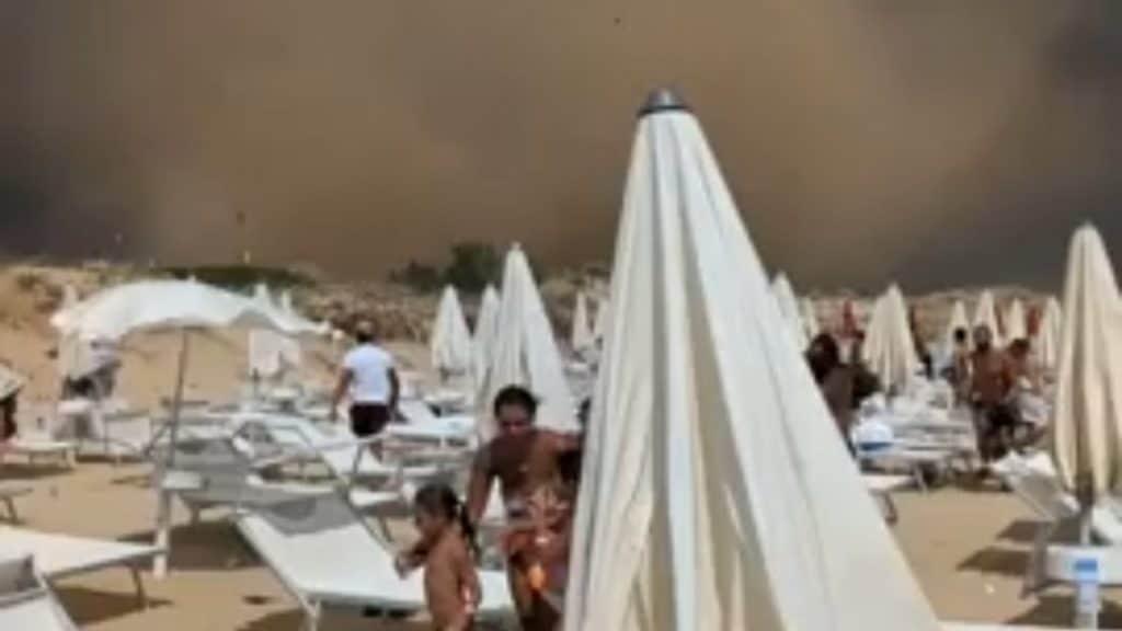 Salento improvvisa tromba d'aria a Pescoluse, sono cinque i bagnanti feriti, la più grave una ragazza di 21 anni