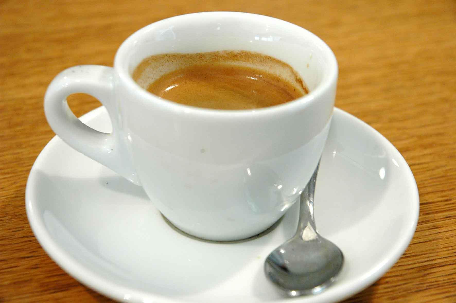 Bari, chiude un altro simbolo Caffè Tarantini, al suo posto una sala giochi