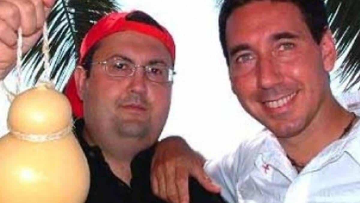 """Striscia la Notizia, Mingo del duo Fabio e Mingo parla dopo anni del suo licenziamento in diretta e dice """"Io sono l'unico al mondo che …"""