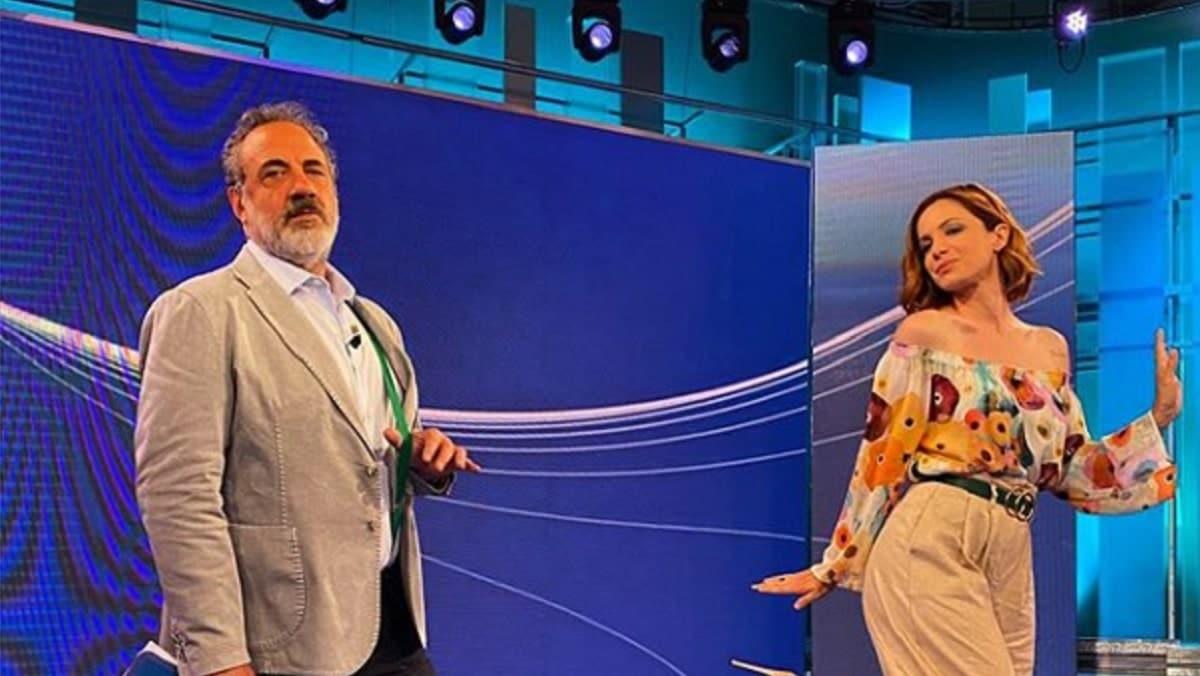 """Vita in diretta, Andrea Delogu a Marcello Masi: """"Capirai quanto sono importante per te"""" e lui """"Sei Impazzita….."""""""