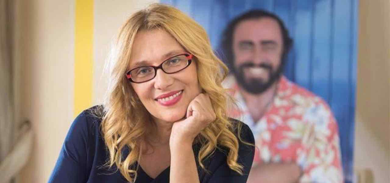 """Nicoletta Mantovani moglie di Luciano Pavarotti """"Mi sposo perché ho una voglia matta di …"""""""