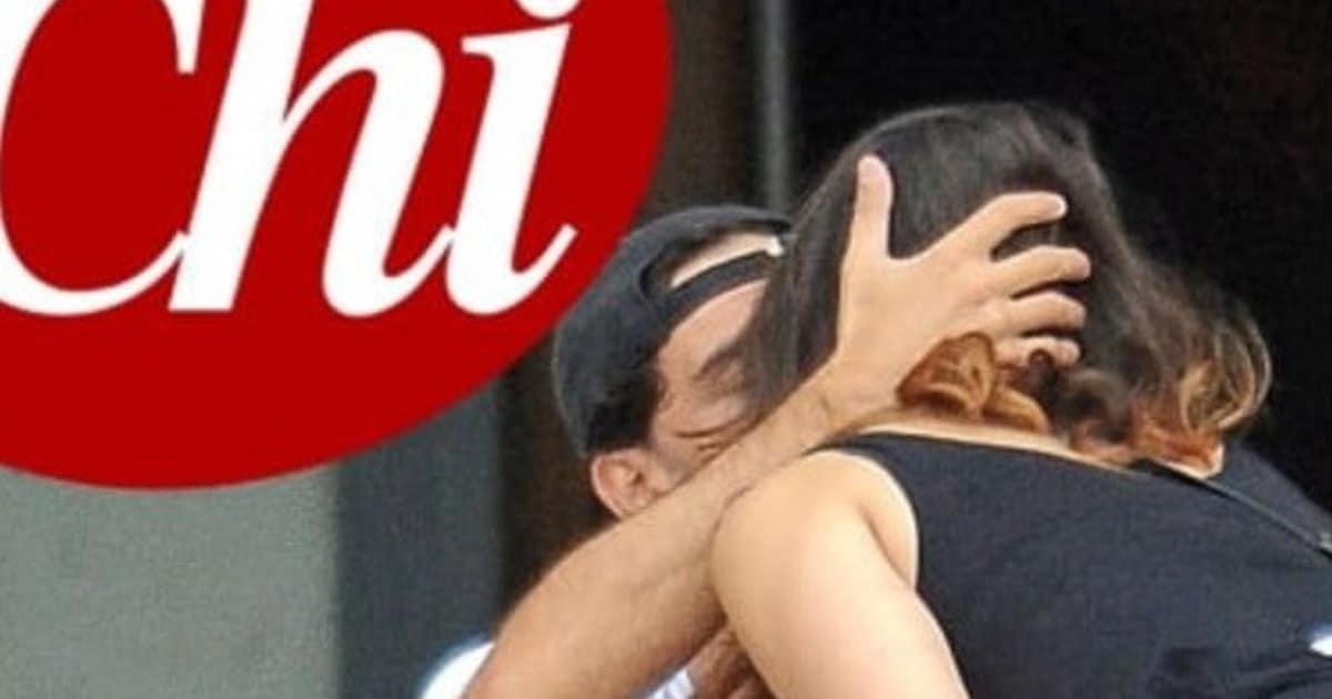 """""""Ballando con le stelle"""" Elisa Isoardi e Raimondo Todaro fotografati mentre si baciano, non possono più negare"""