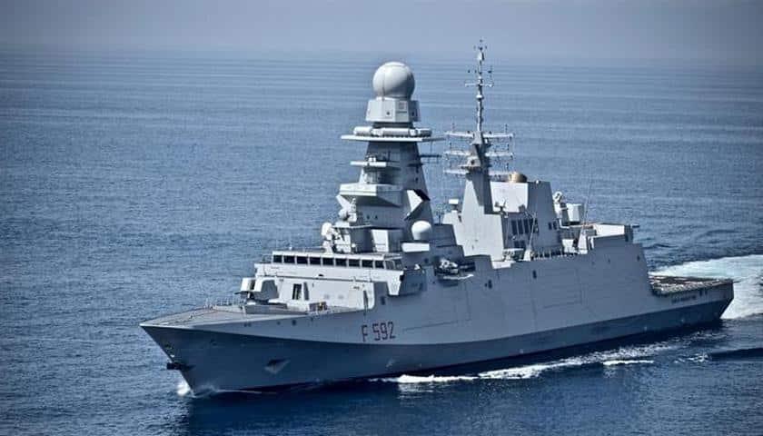 Pericoloso focolaio, sbarca a Taranto nave con 60 marinai positivi, disposta la quarantena per tutto l'equipaggio