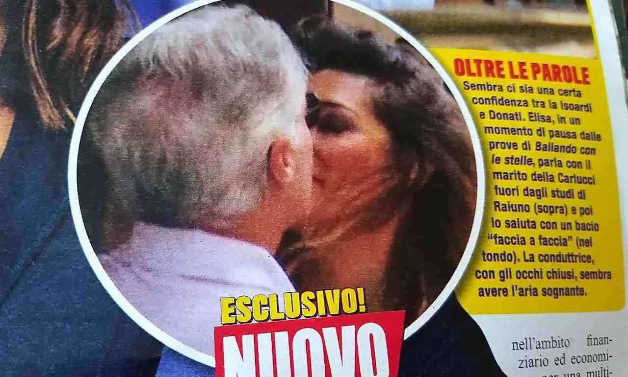 Ballando con le stelle, Elisa Isoardi sorpresa a baciare il marito di Milly Carlucci