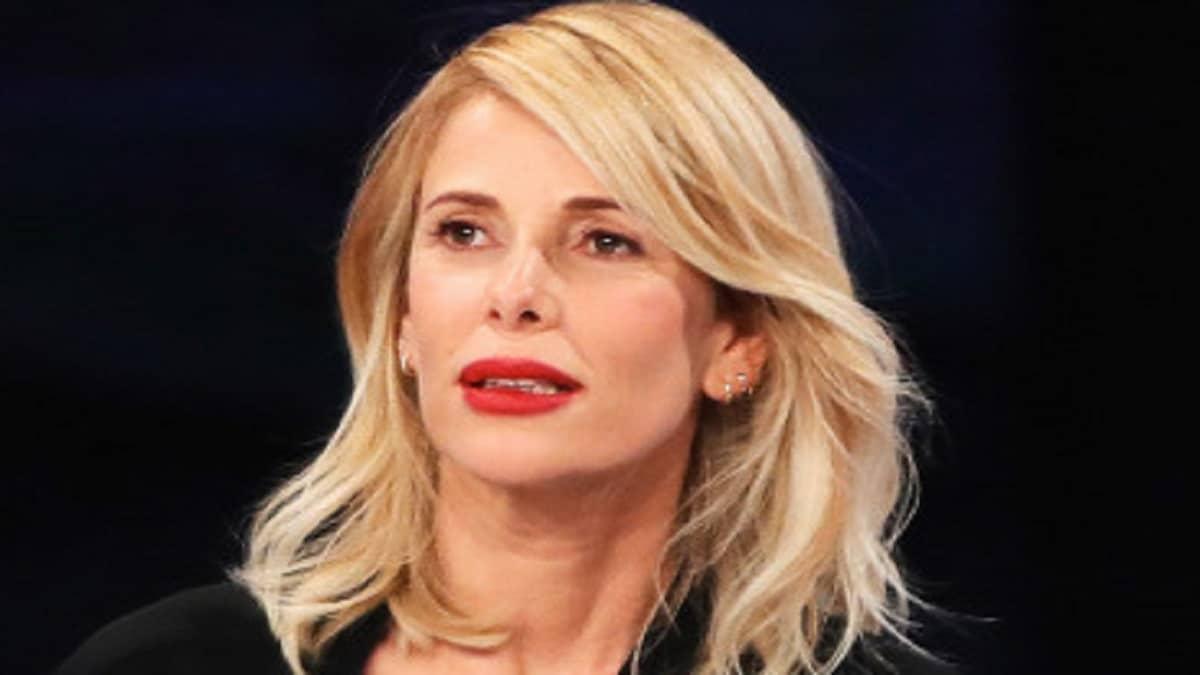 """Alessia Marcuzzi nella bufera: """"Non puoi dare consigli con tre mariti e figli da uomini diversi, non sei credibile"""""""