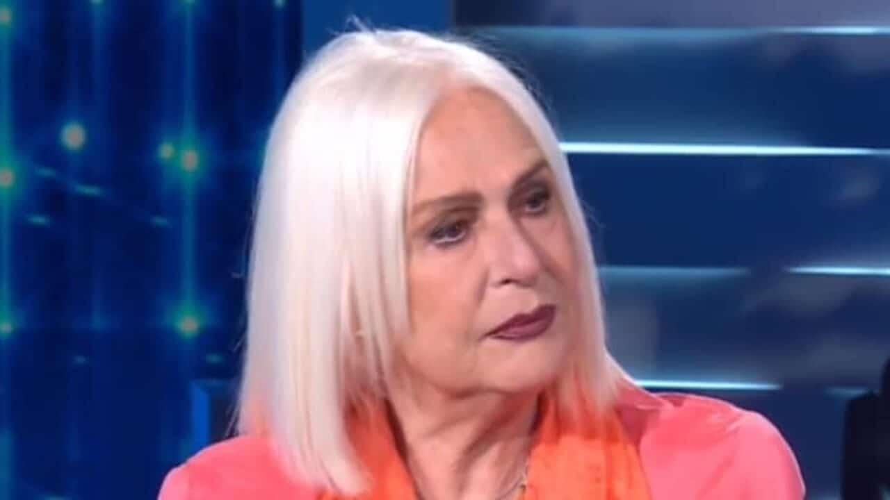 Tale e Quale, Loretta Goggi in lacrime a causa di ciò che le dice Carlo Conti, in studio prima silenzio e poi …