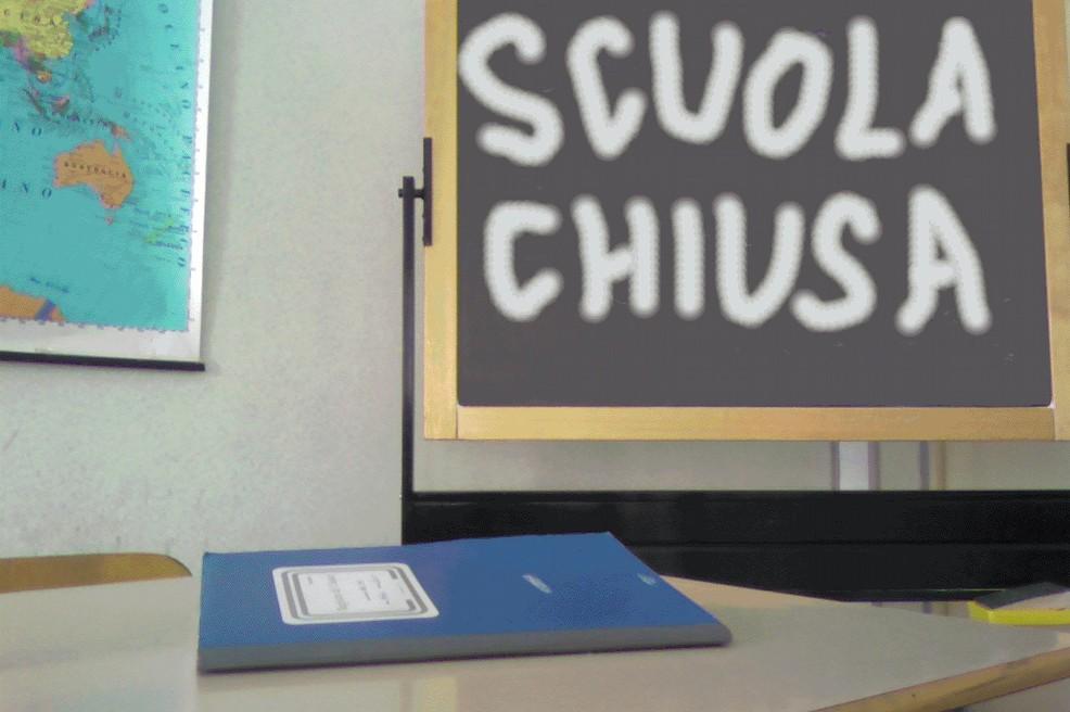 Gravina, il Sindaco chiude tutte le scuole, sono quattro alunni positivi, l'Asl non  è riuscita a tracciare i contatti in tempo