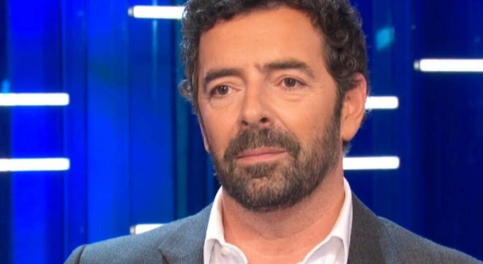 """Vita in Diretta, Alberto Matano nella bufera: """"Sei un terrorista, nel servizio sul covid sono tutti attori"""", la difesa di Matano """"non mi era mai successa una cosa simile …"""""""