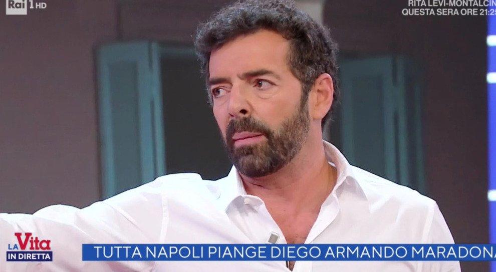 Vita in diretta Alberto Matano fuori di sé, all'inviata Antonella Delprino dice: «Questo non deve più succedere…» e chiude bruscamente il collegamento, cala il gelo in studio