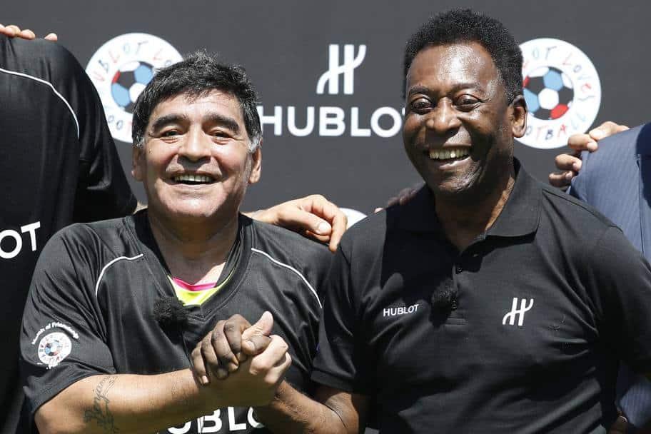 """Il mondo del calcio piange Diego Armando Maradona, Pelè """"Un giorno giocheremo a calcio insieme in cielo"""""""