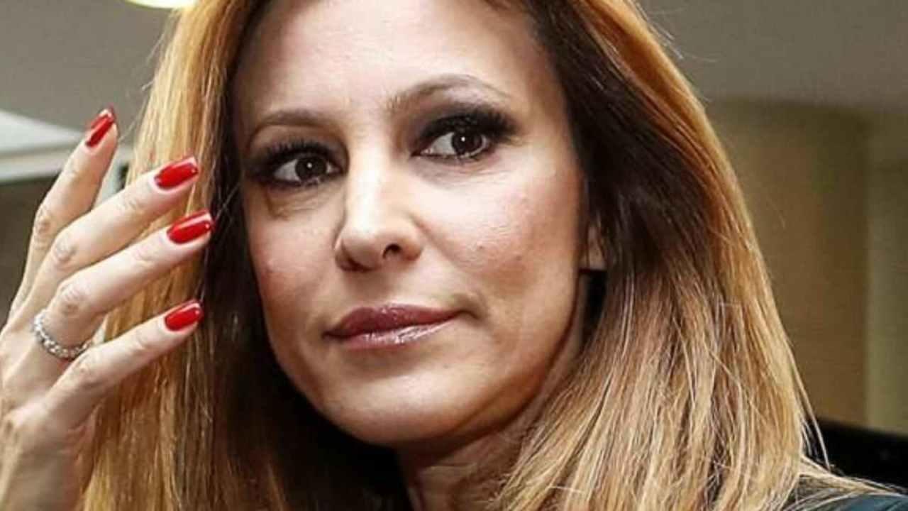 """Ogni Mattina, gli ascolti sono deludenti ma Adriana Volpe non si arrende e dice """"Ci sono molte …"""""""