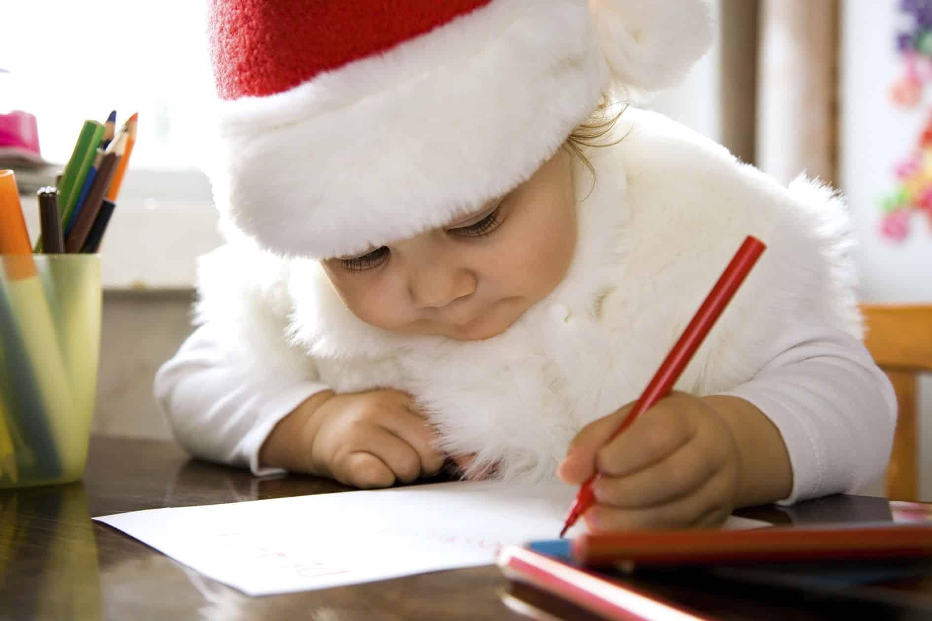 """Gravina si commuove per lettera di una bimba, """"Babbo Natale regala una medaglia per ogni bimbo guarito dal Covid"""""""