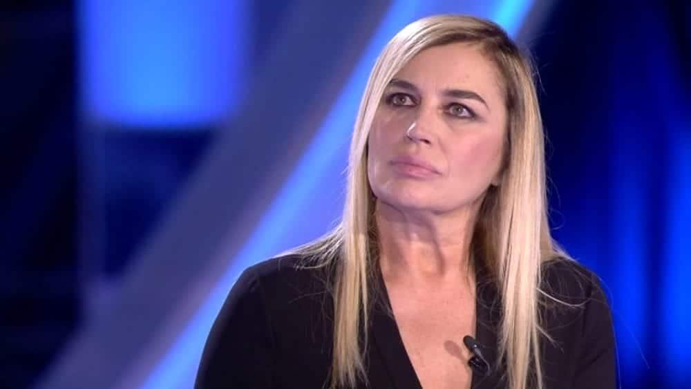 """Oggi è un altro giorno, Lory Del Santo, """"mio figlio si è tolto la vita, meglio così"""" Serena Bortone gelata"""