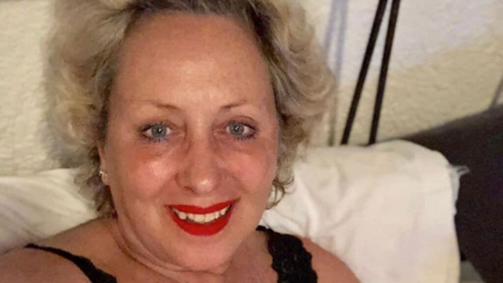"""Carolyn Smith, scrive un annuncio sui social """"ultima chemio …"""" e i fans sono in grande apprensione per lei"""
