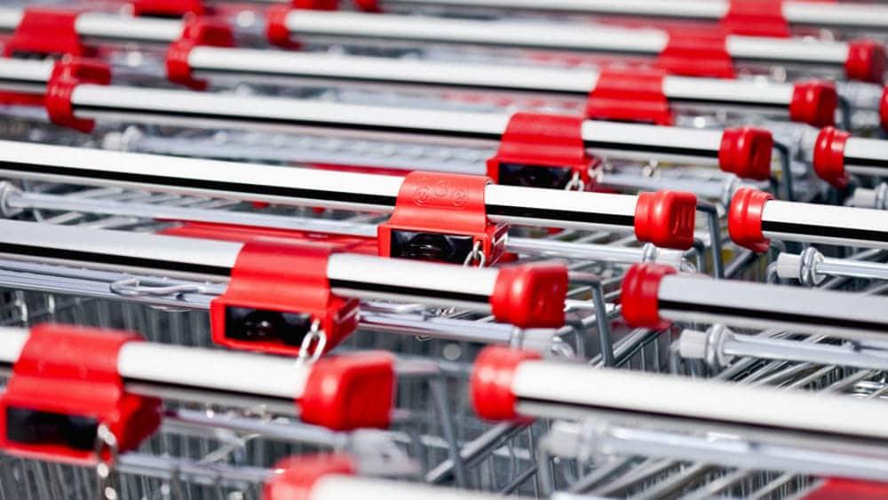 Per i 50 centesimi del carello di un discount, un uomo ha rischiato di morire, è stato ritrovato in una pozza di sangue