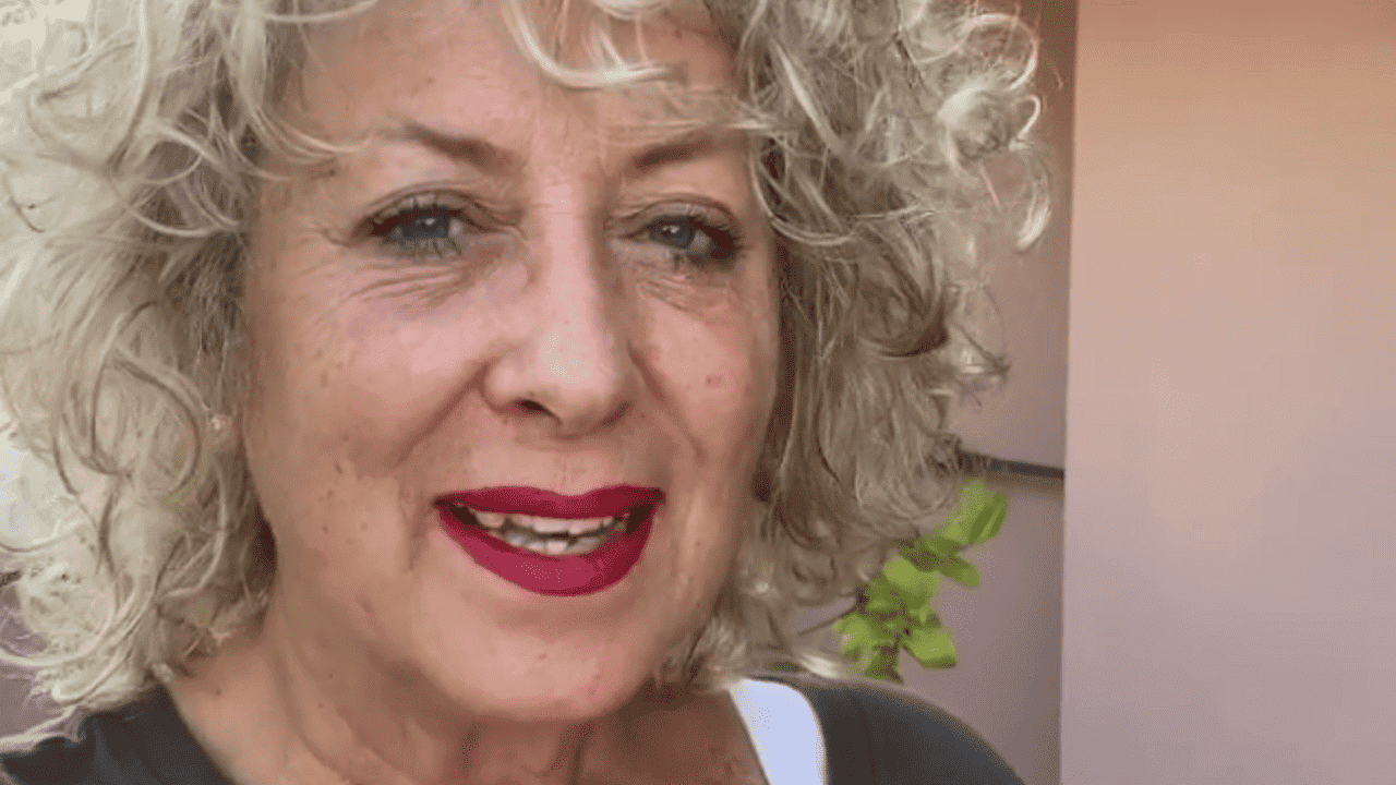 """Carolyn Smith, dopo l'esito dell'ultima tac rivela """"Sono rimasta in silenzio perché ero troppo giù ma ora vi dico che …"""