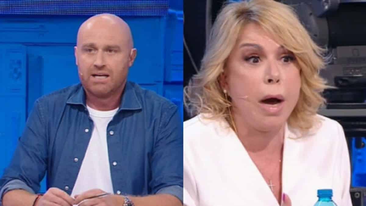 "Amici, Rudy Zerbi offende pesantemente Anna Pettinelli: ""hai una  …"", cala il gelo in studio"