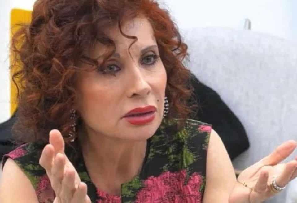 """Alda D'Eusanio chiede scusa a Laura Pausini e dice """"Ho creduto a …"""""""