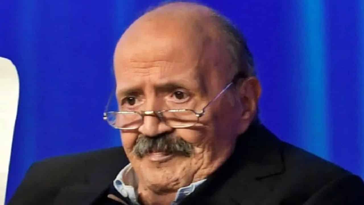 """Maurizio Costanzo va dritto al punto """"Live Non è la D'Urso chiude? E' normale perchè …"""""""