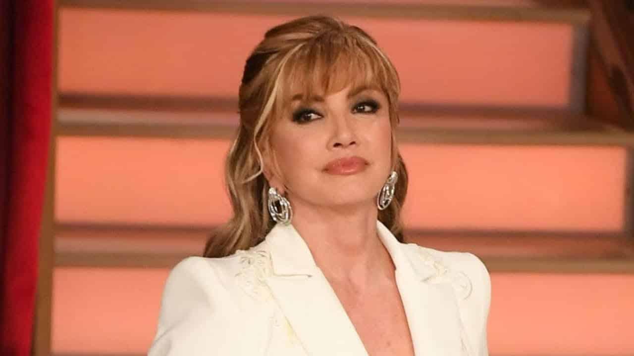 Sanremo 2021, Amadeus sceglie Barbara Palombelli di Mediaset e lascia a casa Milly Carlucci della Rai, la Carlucci gli lancia una frecciatina al veleno