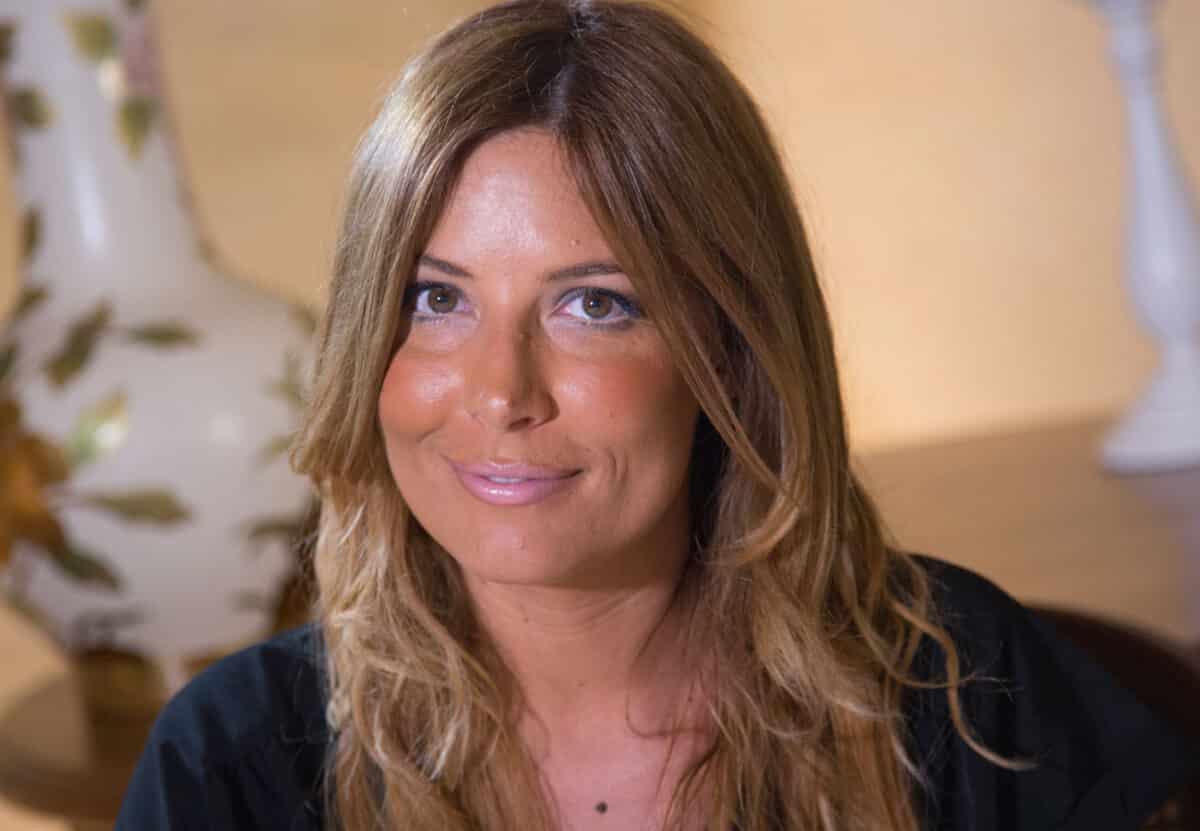 """Selvaggia Lucarelli travolta dalle critiche, attacca Giorgia Meloni sul suo aspetto fisico e le dicono """"ma tu non difendevi le donne dal Bodyshaming?"""" e lei replica """"ma voi avete …"""""""