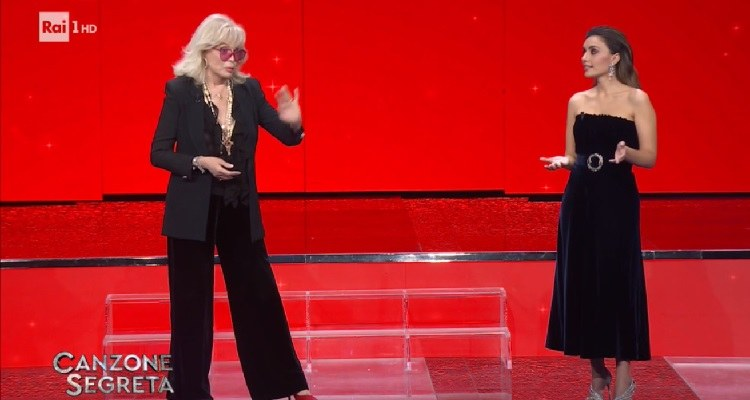 Amanda Lear attacca Alba Parietti e su Simona Ventura svela retroscena mai raccontati