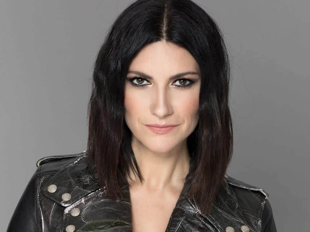 """Laura Pausini fuori di sè """"Mi ha mandato dei fiori e io …"""""""