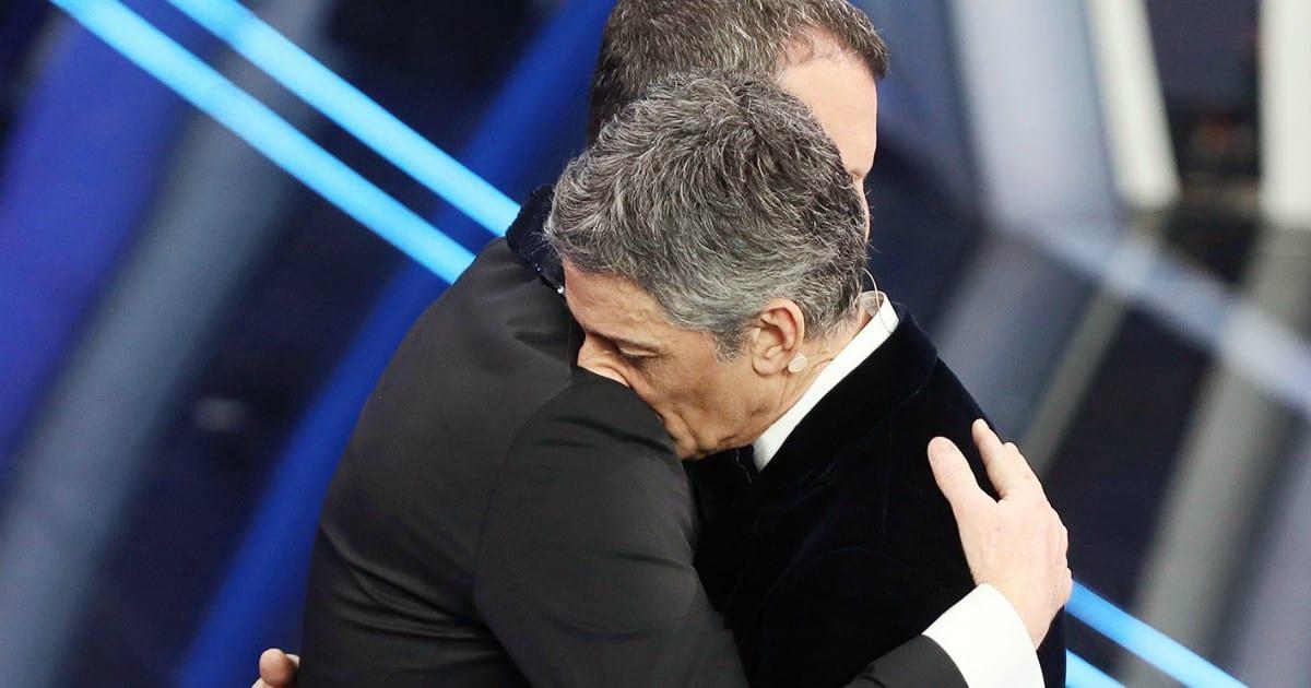 """Sanremo 2021, Fiorello non regge l'emozione, crolla e scoppia a piangere """"Io ho …"""""""
