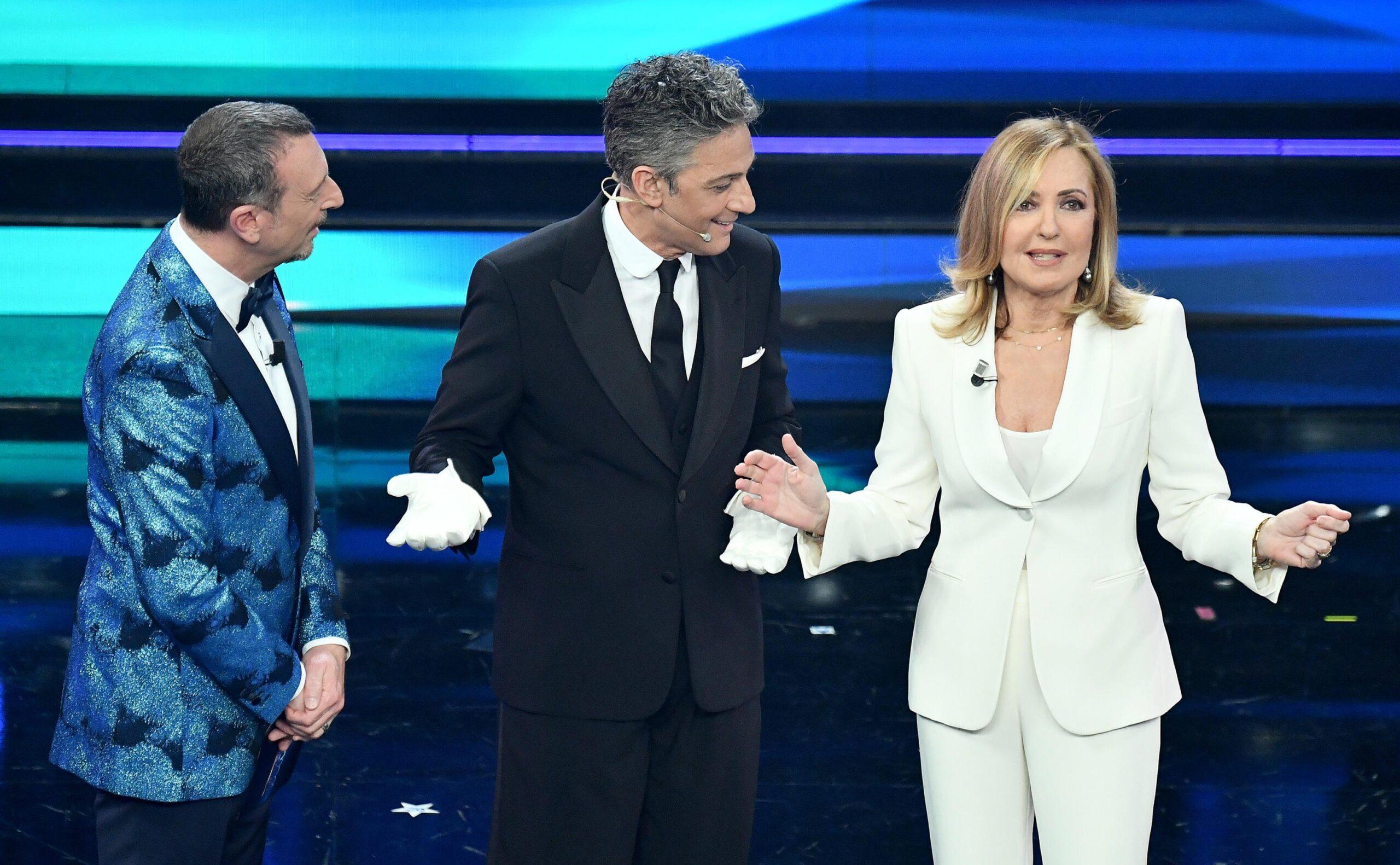 """Sanremo 2021, Fiorello prima di presentare Barbara Palombelli dice: """" non voglio fare body sharing ma …"""""""
