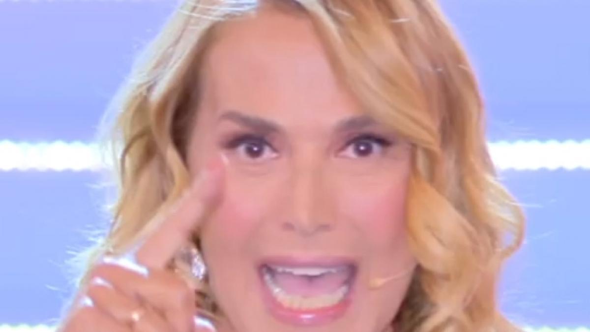 """Pomeriggio 5, Barbara D'Urso perde il controllo in diretta tv """"Ma quanto sei antipatico"""", gelo in studio"""