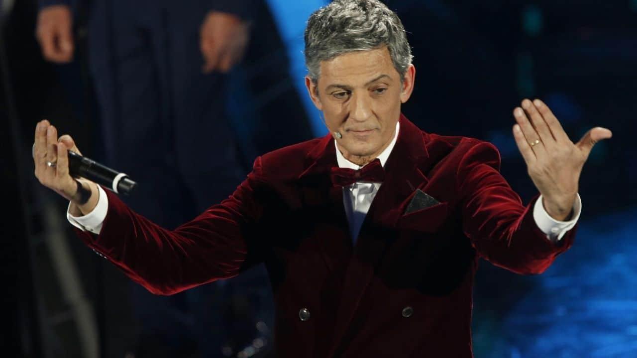 Sanremo 2021, Fiorello nella bufera, fa una battutaccia a Vittoria Ceretti e il web si rivolta