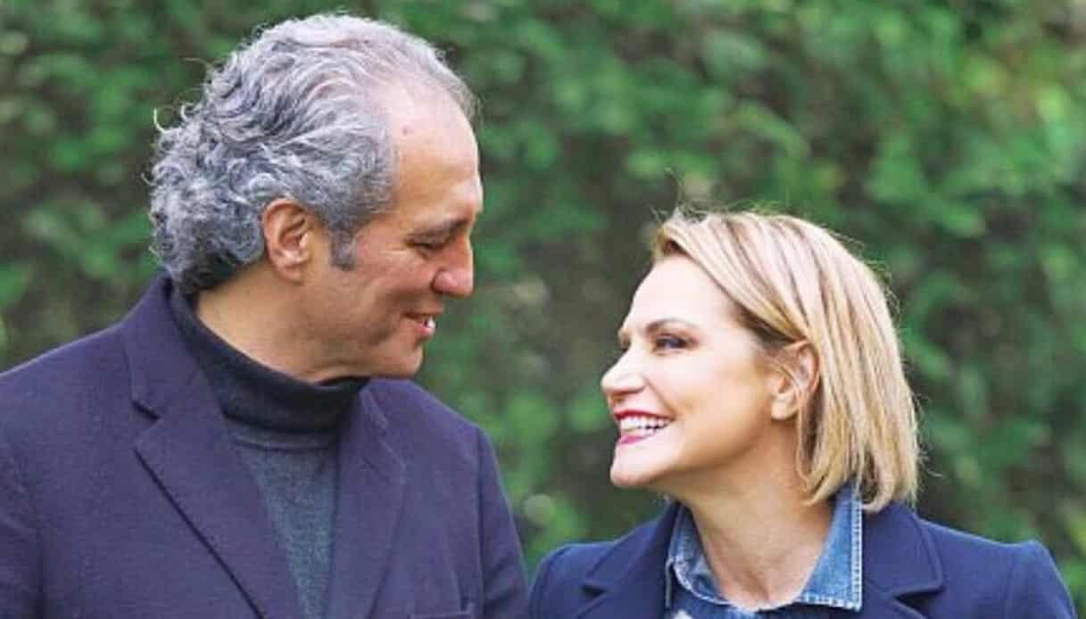 """Simona Ventura, dopo la rissa a Cartabianca con Bassetti, interviene il fidanzato, il giornalista Giovanni Terzi che fuori di sè dice """"Ma il virologo …"""""""