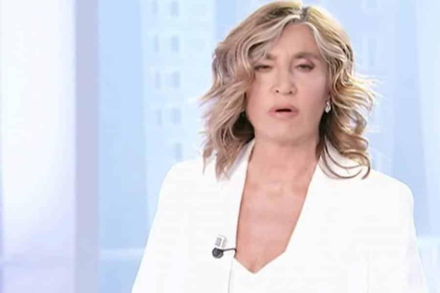 """Myrta Merlino torna in tv e mette in imbarazzo il collega """"Possiamo …"""""""