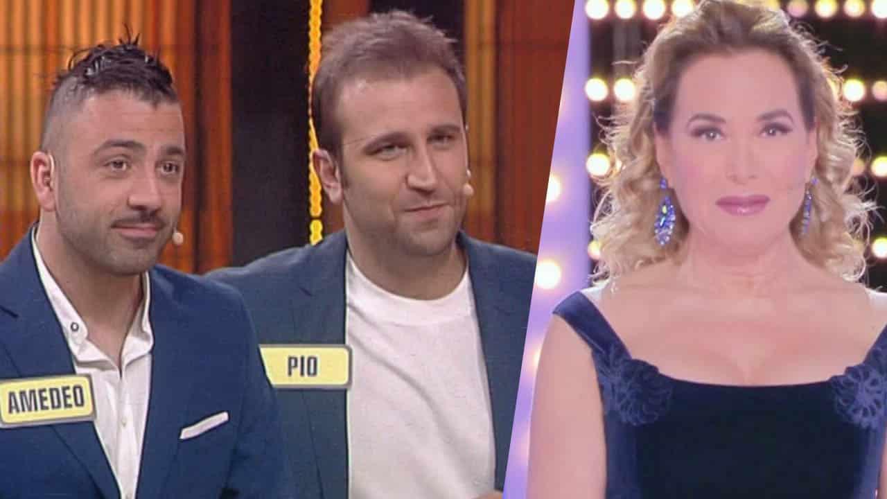 """Felicissima Sera, Pio e Amedeo tremendi contro Barbara D'Urso: """" … se non è Canale 5 questo!"""""""